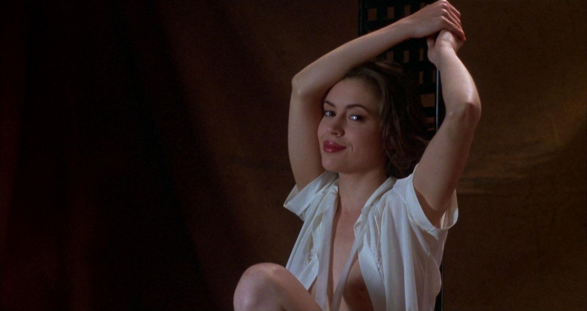 Bound 1996 full movie crime romance thriller - 2 7