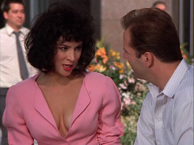Jennifer Tilly in an episode of Moonlighting