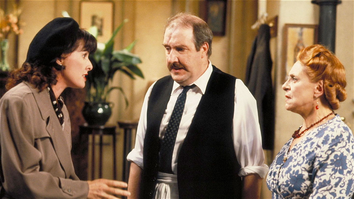 Kirsten Cooke, Gorden Kaye and Carmen Silvera in 'Allo 'Allo!