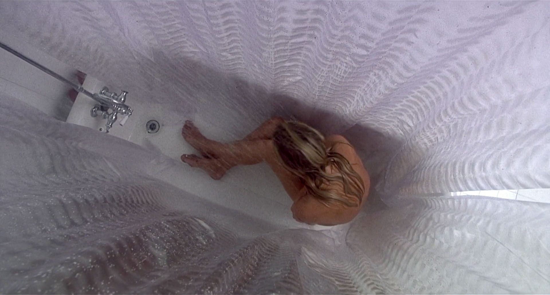 Donna D'Errico in Candyman: Day of the Dead